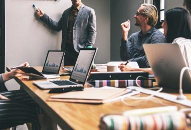 Comment bien lancer son entreprise sur Internet?