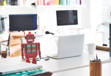 Devez-vous remplacer votre community manager par un robot?